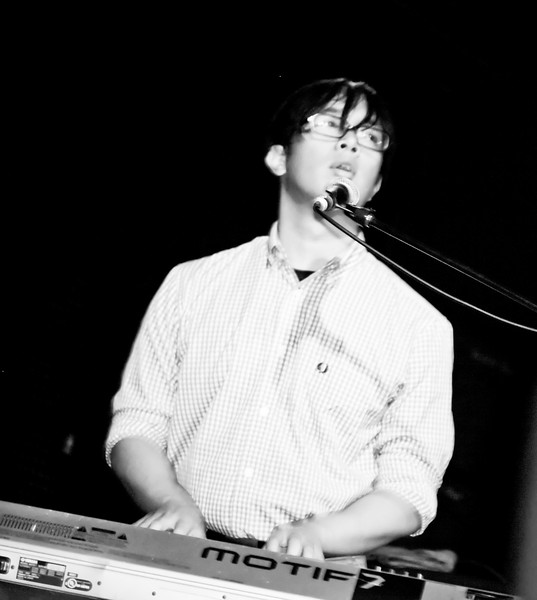 05 Ray Jacildo,Keyboard,English Beat-Jun 5 2009,CarrboroNC (1159p)-3 [NN]