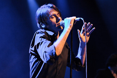 Brett Anderson performs at Shepherds Bush Empire - 22/01/10