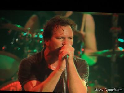 2013-11-23 Pearl Jam, LA Sports Arena, Los Angeles