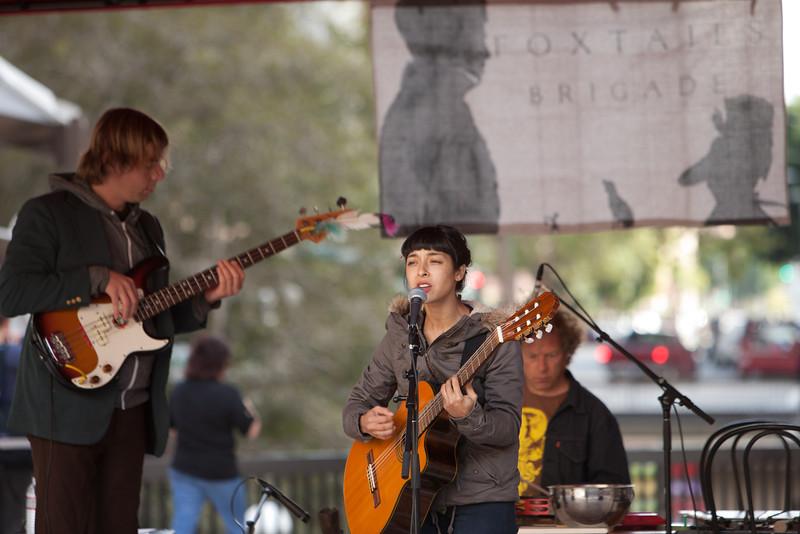 2012.10.24 Oakland City Celebrating the Arts Concerts-Foxtails Brigade