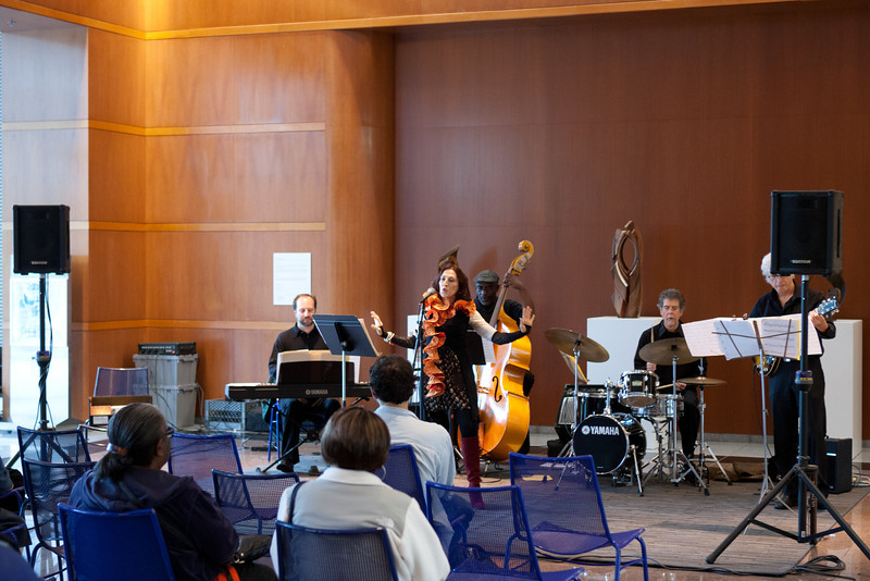 2012.10.31 Oakland City Celebrating the Arts Concerts-Betty Roi & Her Kingtette