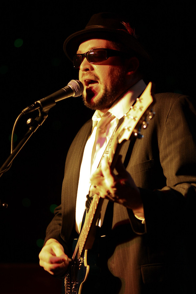 IMG_6050_Willie_sing_color_adj