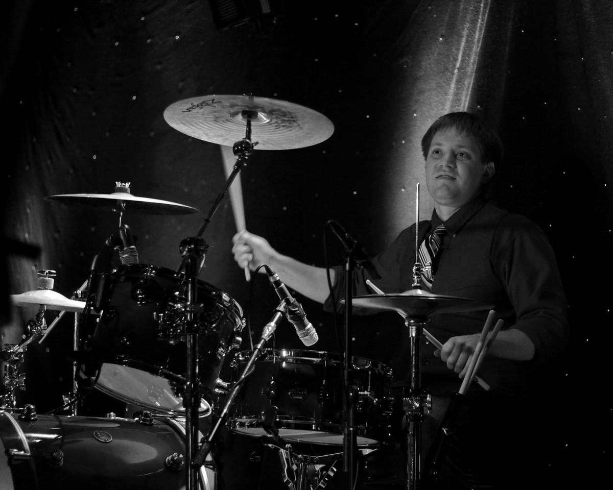 IMG_6293_drummer_crop_BW