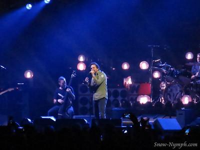 2013 (Nov 26) Pearl Jam, Oracle Arena, Oakland
