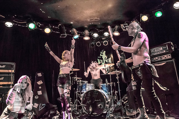 BARB WIRE DOLLS @ THE VIPER ROOM