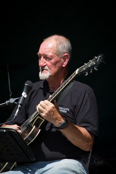 2014 Graeme Martin Whitecliffs Concert