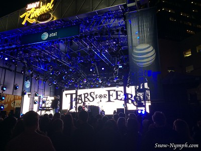 2014 (Nov 12) Tears for Fears mini concert after Jimmy Kimmel Live! in Hollywood