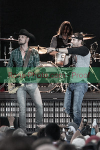 Dierks Bentley @ Willie Nelson's 4th of July Concert 2014