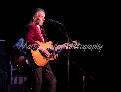 Gordon Lightfoot performs on Thursday evening at the Paramount Arts Center in Ashland, Kentucky.  MARTY CONLEY/ FOR THE DAILY INDEPENDENT