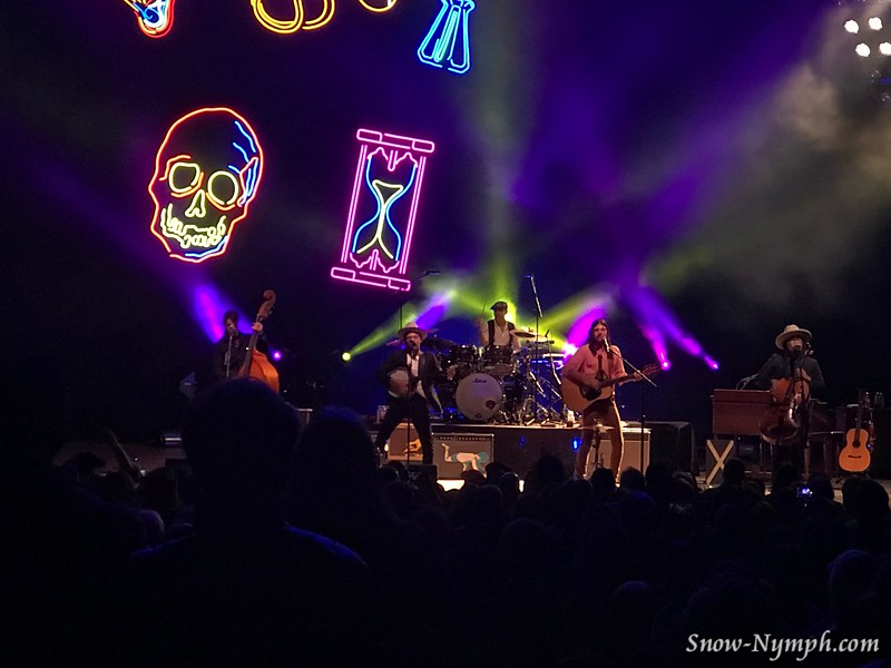 2018-03-25  The Avett Brothers at Santa Barbara Bowl