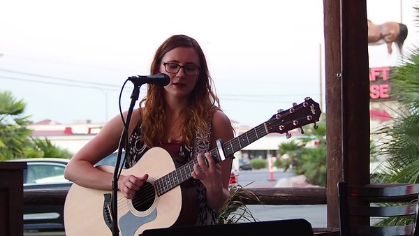 2018-06-21 Haley Sawtelle at Big Dog's Brewing-04