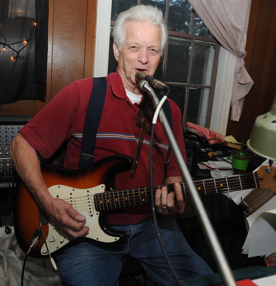 "Guests enjoy ""A Night at George's Creek with the Back Porch Band""!!<br /> GWINN DAVIS PHOTOS<br /> gwinndavis@gmail.com  (e-mail) <br /> (864) 915-0411 (cell)<br /> gwinndavisphotos.com (website)<br /> Gwinn Davis (FaceBook)"