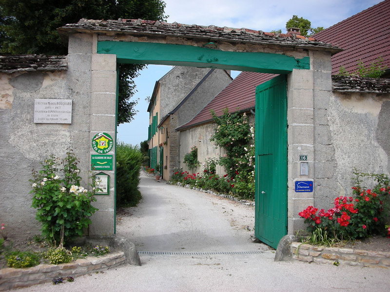 We arrive at our wonderful Gite Rural:<br /> La Closerie de Gilly<br /> Nuits St. Georges