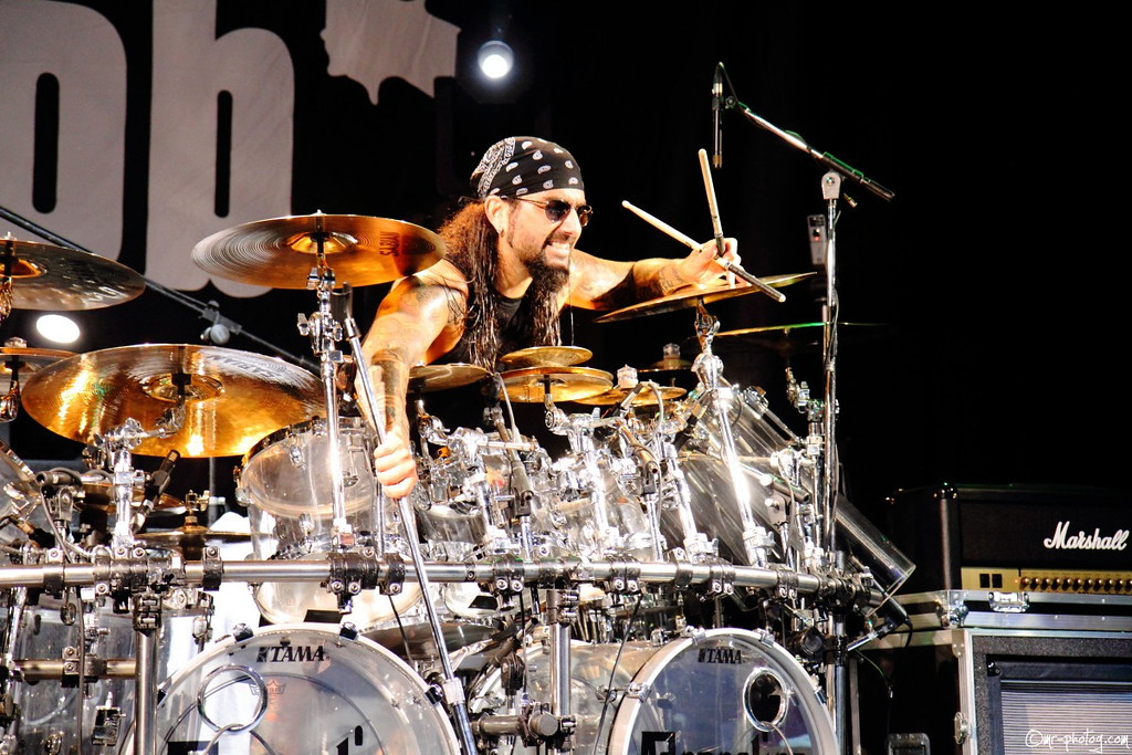 Mike Portnoy's Facebook profile picture from Sept 8 to Sept 13, 2011.