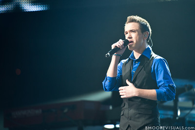 Aaron Kelly performs during the American Idol Live! Tour at St. Pete Times Forum in Tampa, Florida on August 4, 2010.