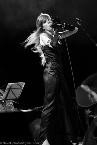 Alice Neve Fox