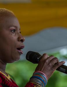 Econosmith com Angelique Kidjo HR-5606