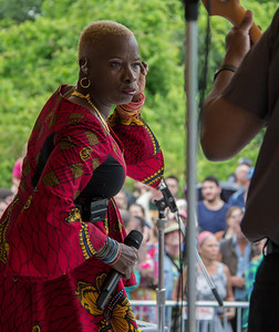 Econosmith com Angelique Kidjo HR-9218