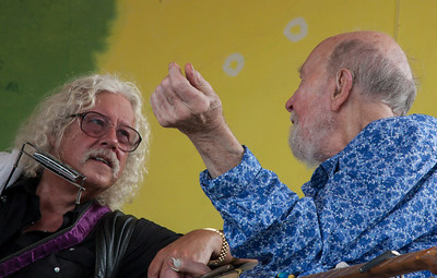 Arlo Guthrie and Pete Seeger talking before their set on the Rainbow Stage, Clearwater Festival.