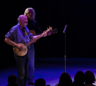 Pete Seeger and Arlo Guthrie.  Symphony Space, NYC, 2011.