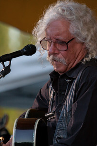 Arlo Guthrie on the Rainbow Stage at the Clearwater Festival.