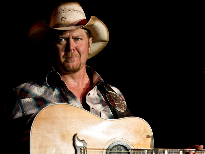 TracyLawrence081a