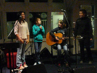 Dan kindly made sure the mikes were set up for the girls, who had no hesitation in performing a song.