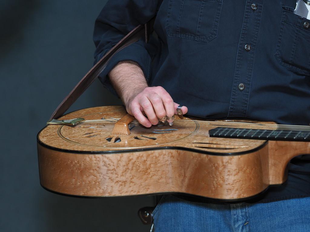 Bluegrass Hands-05