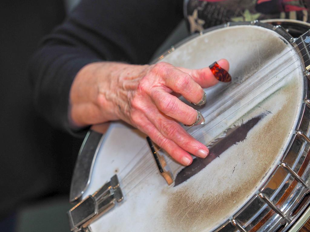 Bluegrass Hands-03