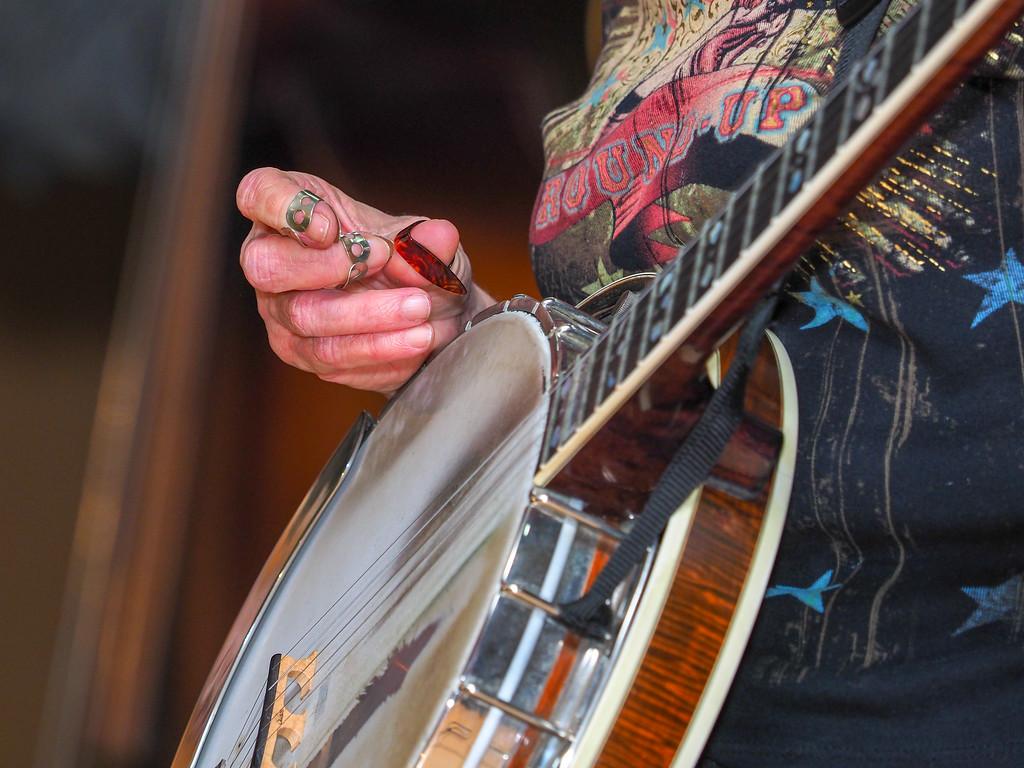 Bluegrass Hands-01