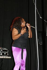 Stefunee Roze http://www.myspace.com/stefuneeroze