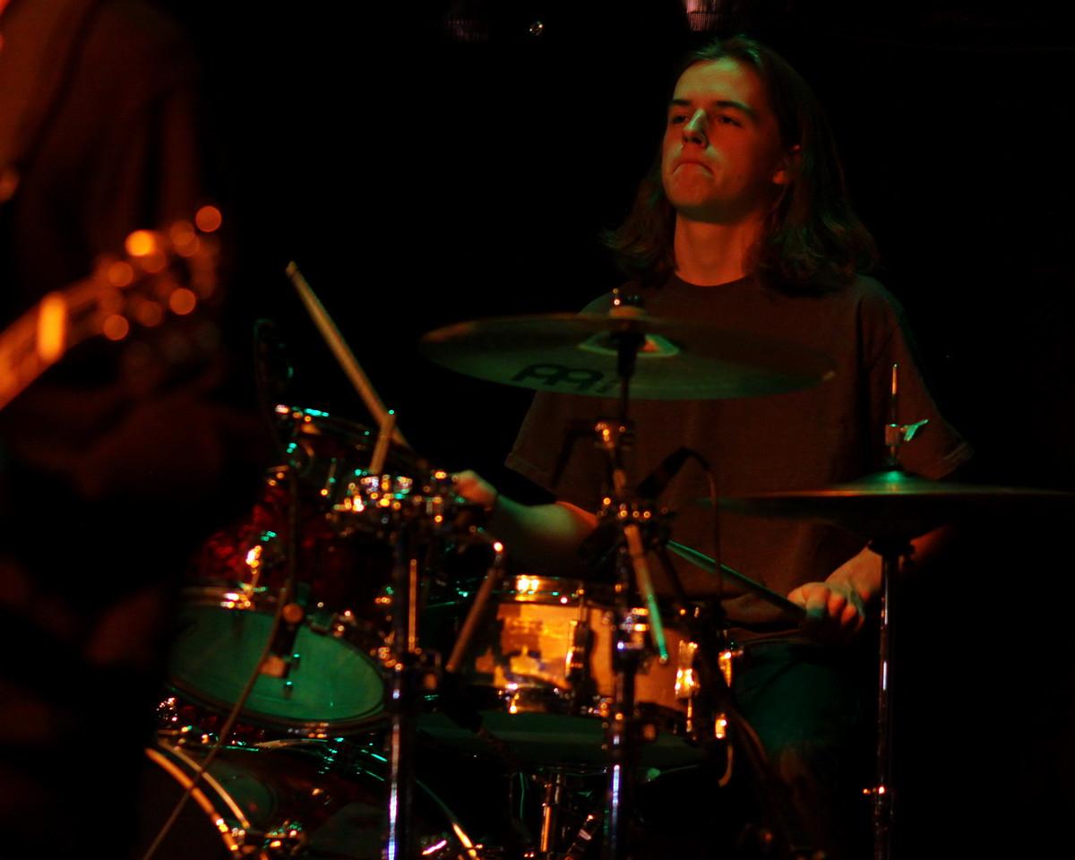IMG_0016_X_Drummer_crop_resize