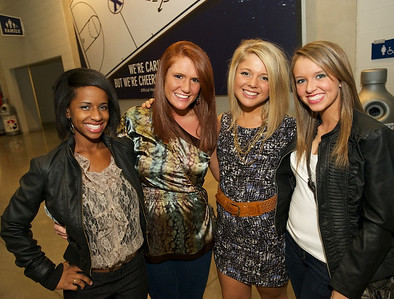 Phyllicia Lindo, Mallory Griffin, Hannah Schildmeyer and Lauren Broughton of N KY at the Cintas center for B.o.b