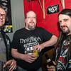 "Bassist Wouter Nottebaert, fan Joost Vanhoutte & gitarist Guy Commeene - Videoclip voorstelling ""Chtonic Star"" - Café Den Deugniet - Kortrijk"