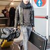 Gitarist Mattias Theuwen na de security check @ Charleroi Brussels South Airport - Charleroi - Henegouwen