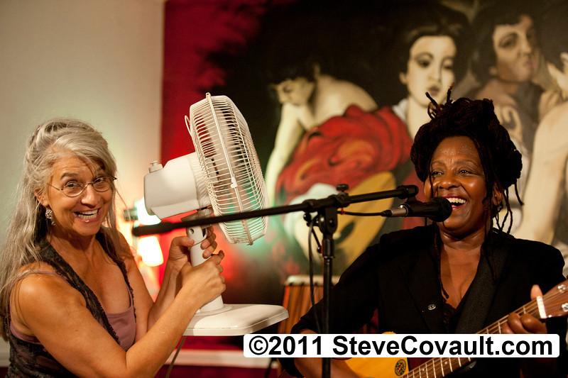 Sweet Joyce Ann & Ruth<P><P>