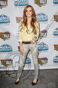 UNIVERSAL CITY, CA - AUGUST 31:  Actress / singer Bella Thorne arrives at Universal CityWalk's free music spotlight series at 5 Towers Outdoor Concert Arena on August 31, 2012 in Universal City, California.  (Photo by Chelsea Lauren/WireImage)