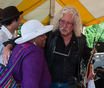 Bernice Johnson Reagon and Arlo Guthrie