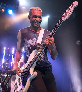 TONY KANAL OF NO DOUBT WITH HIS BAND DREAMCAR  IN PHILLY