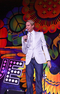 Carson Kressley chats up the crowd between acts.