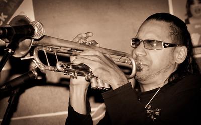 Brownman Electryc Trio@ Diva's 03/26/11
