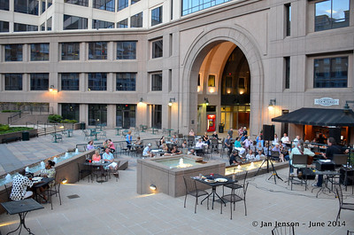 The atrium next to Rock Bottom Cafe in Charlotte. FABULOUS place for an outdoor concert!!! What a GORGEOUS night it was...!