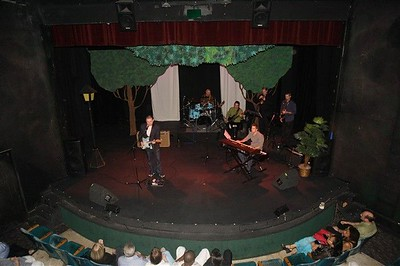 Musicians Exchange at the Hollywood Playhouse