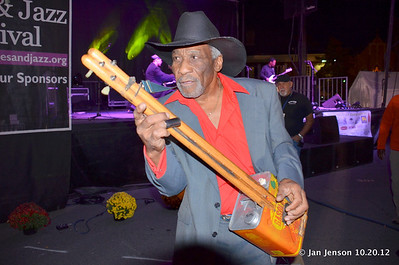 Mac Arnold & gas can guitar his father made
