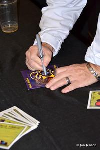 Signing albums
