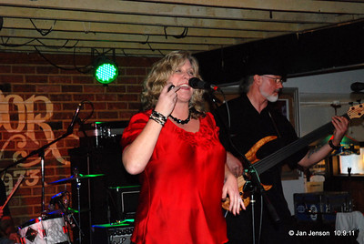 Nita B & the Swingin' Soiree - The CBS Blues Competition where they were the runner-up. Many thanks to The Swingin' Soiree members: Tim Belk - drums; Bob DeLano - sax; Bill Buck - bass & Dave Eatman - guitar for their hard work!    http://www.myspace.com/swinginsoiree  http://www.myspace.com/rainwagon  http://www.reverbnation.com/nitab  Bookings: texasnete@yahoo.com  http://facebook.com/nita.belk