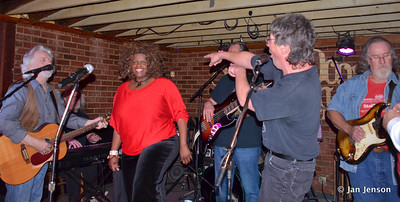 Chocolate Thunder singing with the Part Time Blues Band