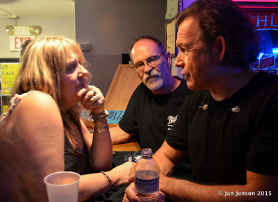 Mary London Sparza and Tommy Castro having a nice chat