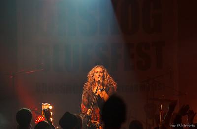 Dana Fuchs, et fyrverkeri på scenen med tøff soul/blues/rock/pop........