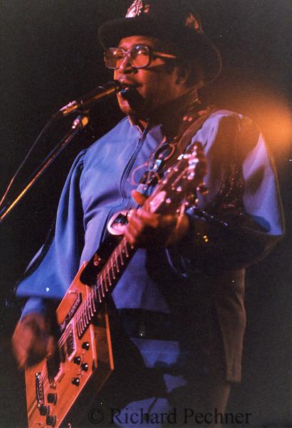 Bo Diddley, New George's, San Rafael, CA, 2/4/1986